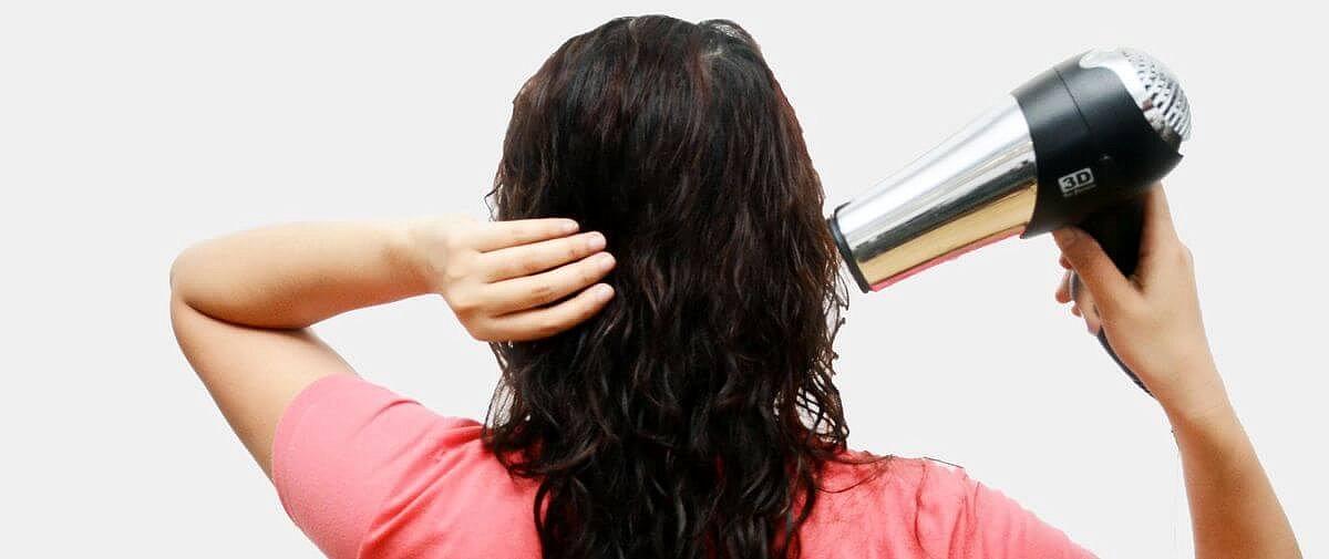 Правильно сушим волосы